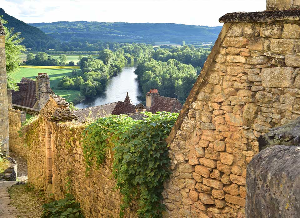 T&t Dordogne Perigord tour with a private local guide. Dordogne Perigord Sarlat tour avec un guide. Тур в Дордонь Перигор с русским гидом.
